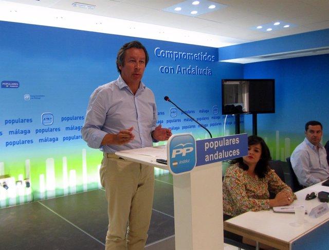 Carlos Floriano y Juanma Moreno en comité de dirección del PP-A en Málaga
