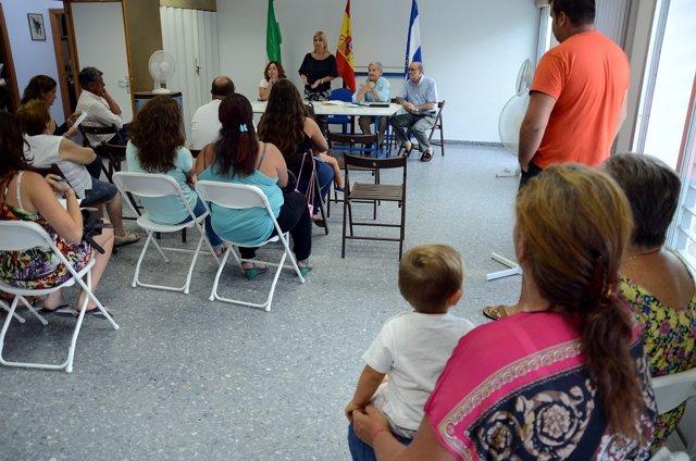 La alcaldesa se reúne con vecinos de San Ginés