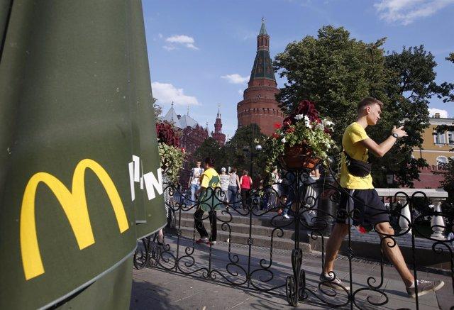 Restaurante de la cadena McDonald's cerrado en Moscú