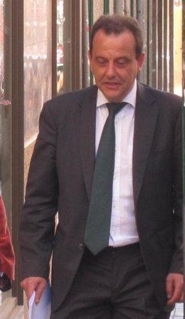Fiscal Pedro Horrach, llegando a los Juzgados de Palma