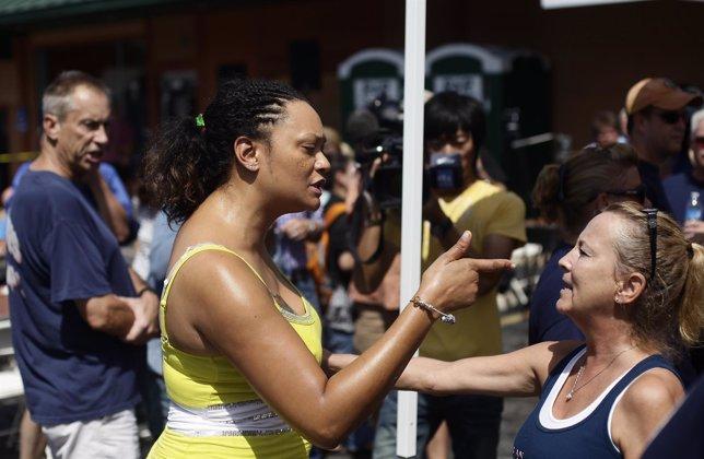 Discusión en una de las manifestaciones en Ferguson