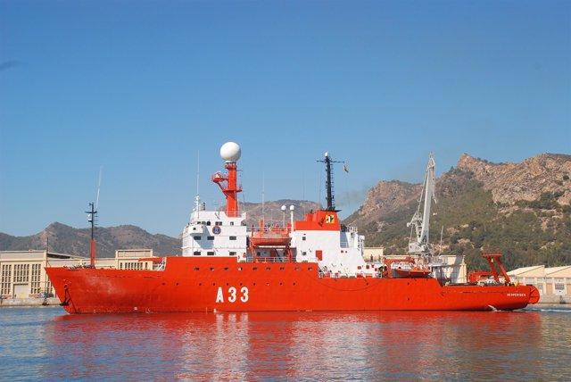 Salida del buque 'Hespérides'