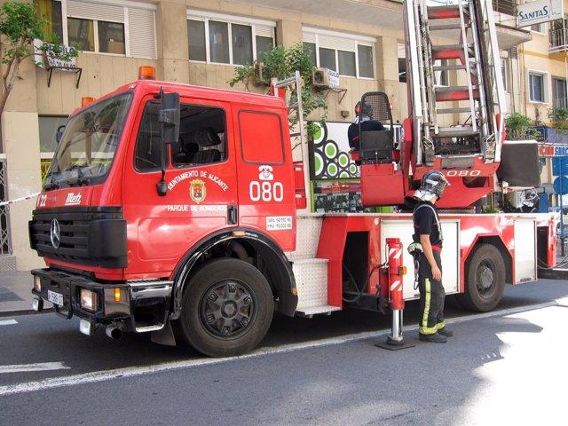 Efectivos Del Cuerpo De Bomberos De Alicante