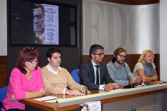 Rueda de prensa para presentar el homenaje a Julio Cortázar.