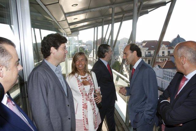 El presidente junto a responsables de la telecabina