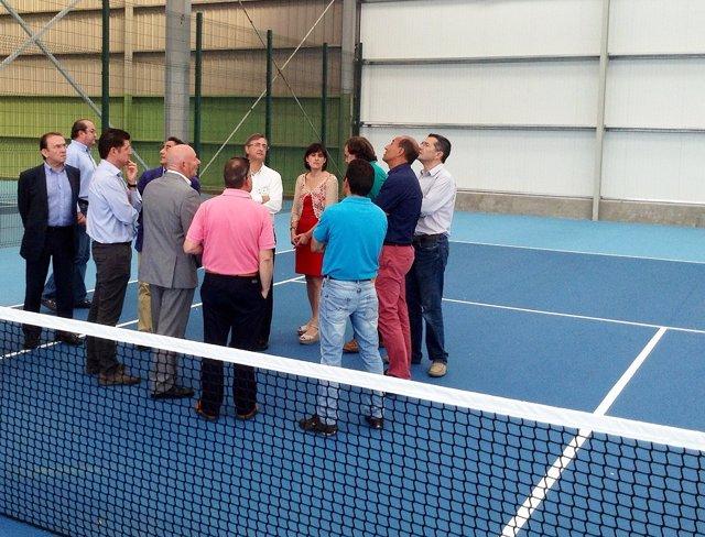 Ayuntamiento recepciona la obras de las pistas de tenis de La Lechera