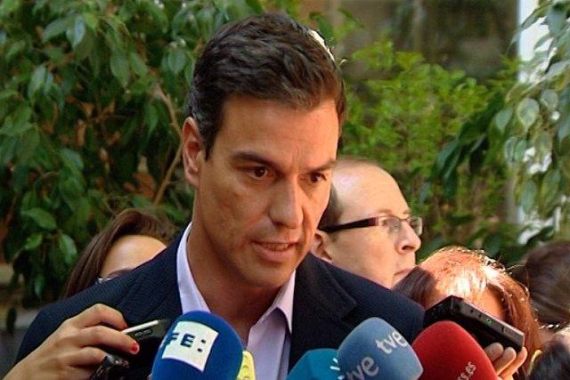 Sánchez insta a Rajoy a preocuparse más por crear empleo