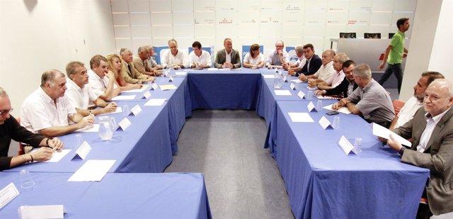 Fabra preside la reunión con organizaciones agrarias sobre el veto ruso.