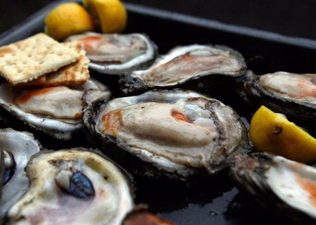 Ostras y champagne en el Hotel Ritz gracias a su mes de las ostras