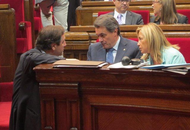 J.M.Pelegrí, Artur Mas y J.Ortega, en el Parlament