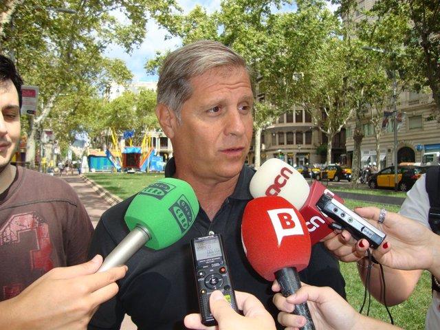 Alberto Fernández pide despolitizar las fiestas de Gràcia y Sants