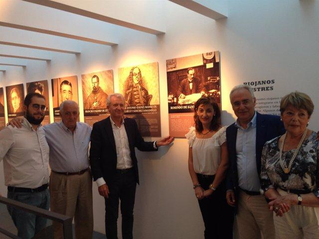 Centro Emigración homenaje a Rosendo de Santiago con Del Río y Ceniceros
