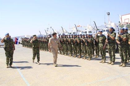El ministro serbio de Defensa visita a sus tropas integradas en el contingente español en Líbano