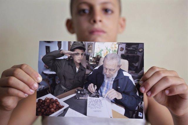 Marlon Méndez, un niño de 8 años, se reúne con su ídolo: Fidel Castro.