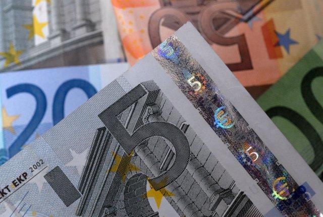 Dinero, billetes, caja, pagos, deuda, monedas