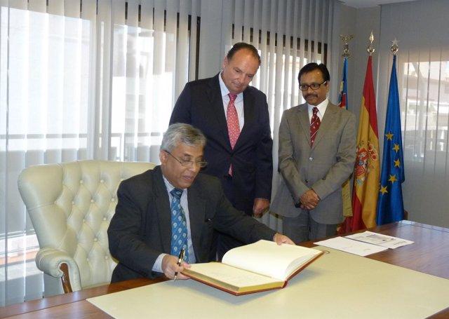 El embajador de Bangladesh visita la Cámara de Comercio
