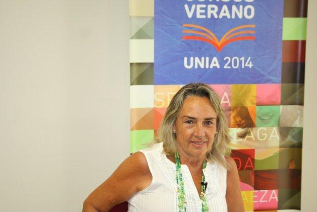 La profesora Gloria Camarero en el Campus de la UNIA en Baeza