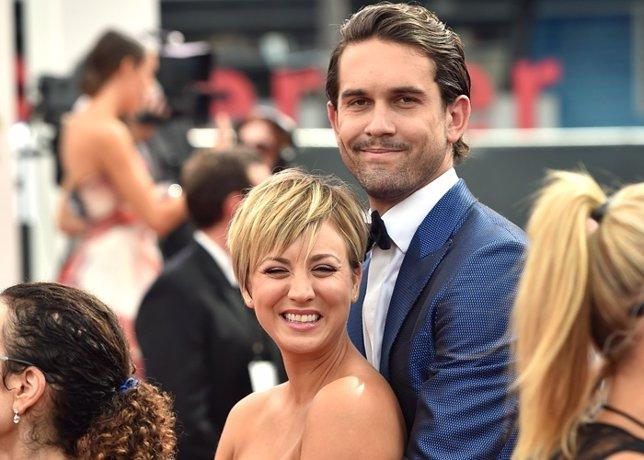 Kaley Cuoco y Ryan Sweeting amorosos, acallando los rumores de divorcio