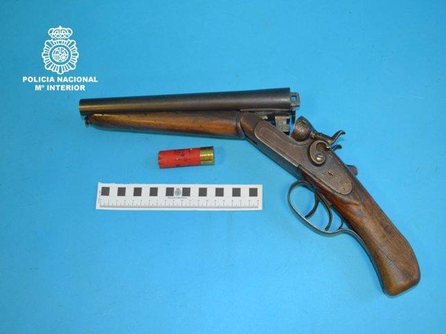 Escopeta recortada intervenida al individuo