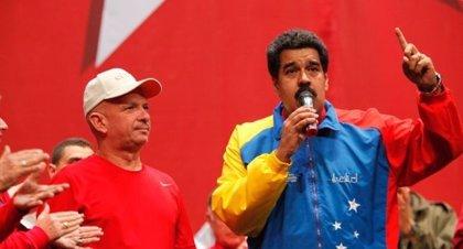 """Maduro aclara que la instalación del sistema biométrico será """"voluntaria"""" para los supermercados privados"""