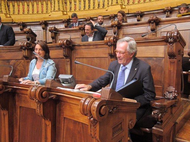 El alcalde X.Trias en el pleno del ayuntamiento