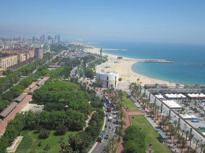 Propietarios de apartamentos turísticos creen que la industria hotelera pretende frenar su competencia