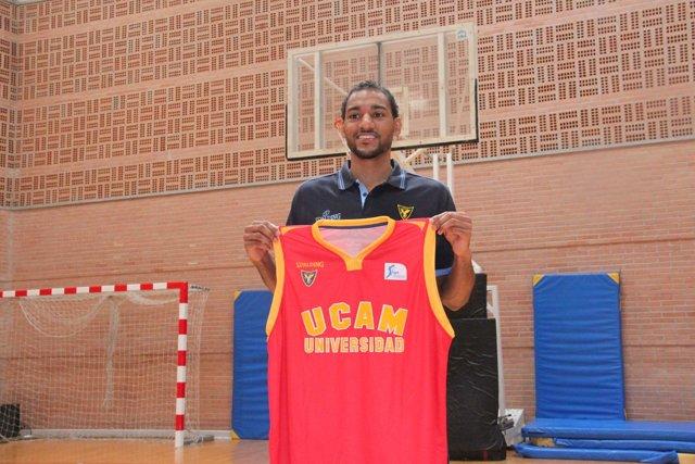 Sadiel Rojas, presentado en el UCAM Murcia