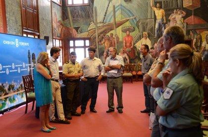 Cabildo de Tenerife entrega ocho emisoras a la Federación de Caza para mejorar la seguridad en la isla