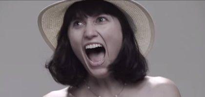 'The Taser Photoshoot' muestra el dolor de una descarga eléctrica