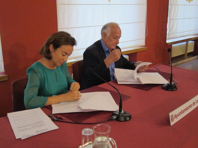 Cuca Gamarra y Fernando Reinares firman el acuerdo de colaboración