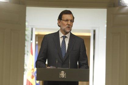"""Rajoy destaca """"la imprescindible obra"""" de Peret a quien define como genio de la música"""