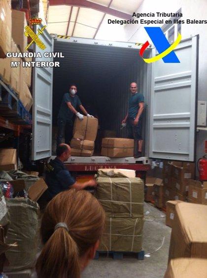 Incautados 86.000 artículos, 5 kilos de cocaína y una tonelada de alimentos en mal estado en Baleares