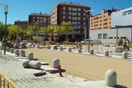 PSOE denuncia retrasos en las obras de la Plaza del Ayuntamiento