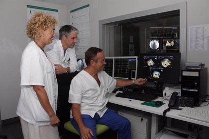 Son Espases realiza por primera vez una técnica de cateterismo en una misma intervención