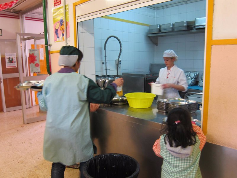 Un total de 23.218 alumnos tendrán beca de comedor o de material