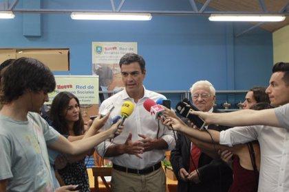 El PSOE apoya reducir aforados pero pide a Rajoy que aclare si acepta abrir la reforma de la Constitución
