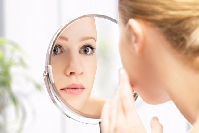Espejo, piel, belleza