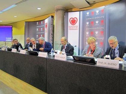 Seis estudios internacionales muestran avances en insuficiencia cardiaca y su entorno médico