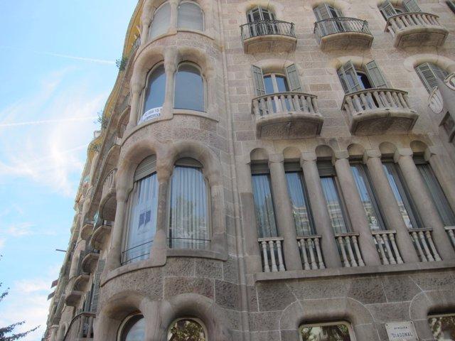 Edificio donde se encuentra el estudio de Pertegaz