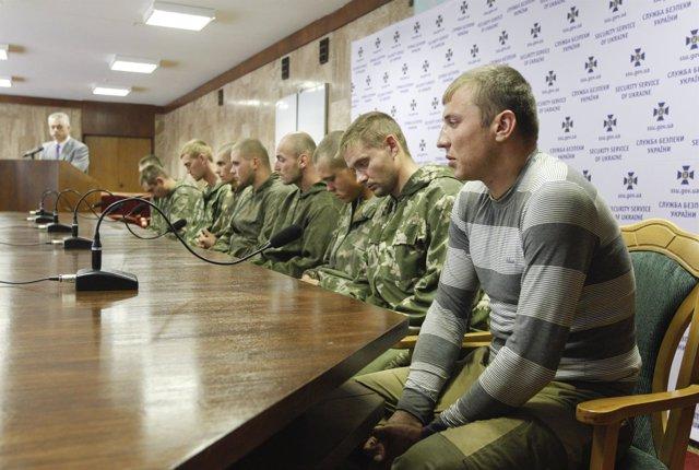 Militares rusos capturados en Ucrania