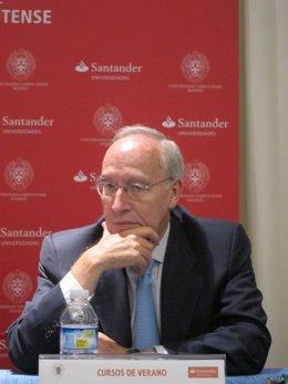 Manuel Pizarro Durante Los Cursos De Verano De El Escorial