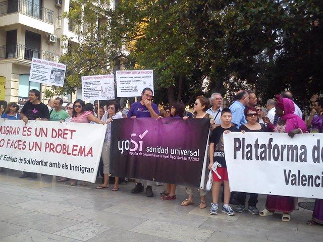 Decenas de personas reclaman la derogación de la reforma sanitaria