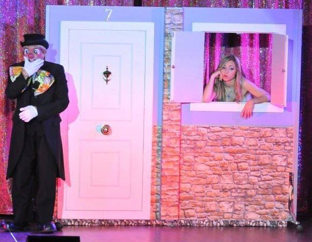 Escena del espectáculo 'Payasolandia'