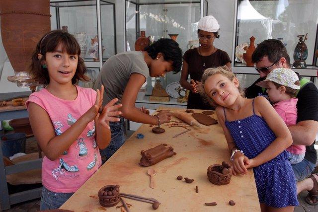 Taller infantil 'AlfarAlmería' en la Feria de Almería