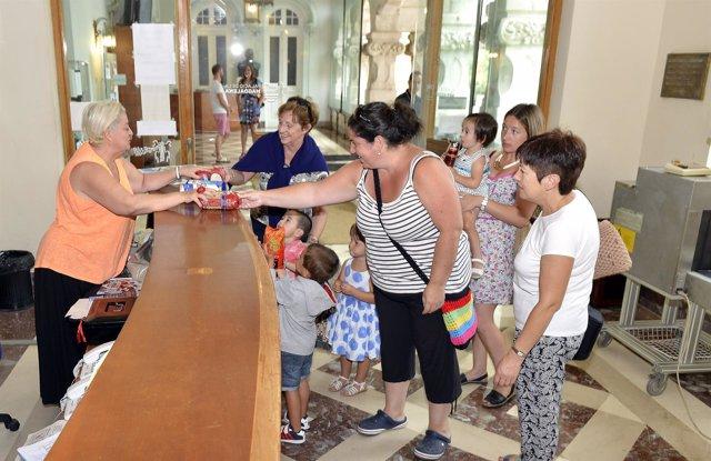 Visitas al Palacio a cambio de un kilo de alimentos