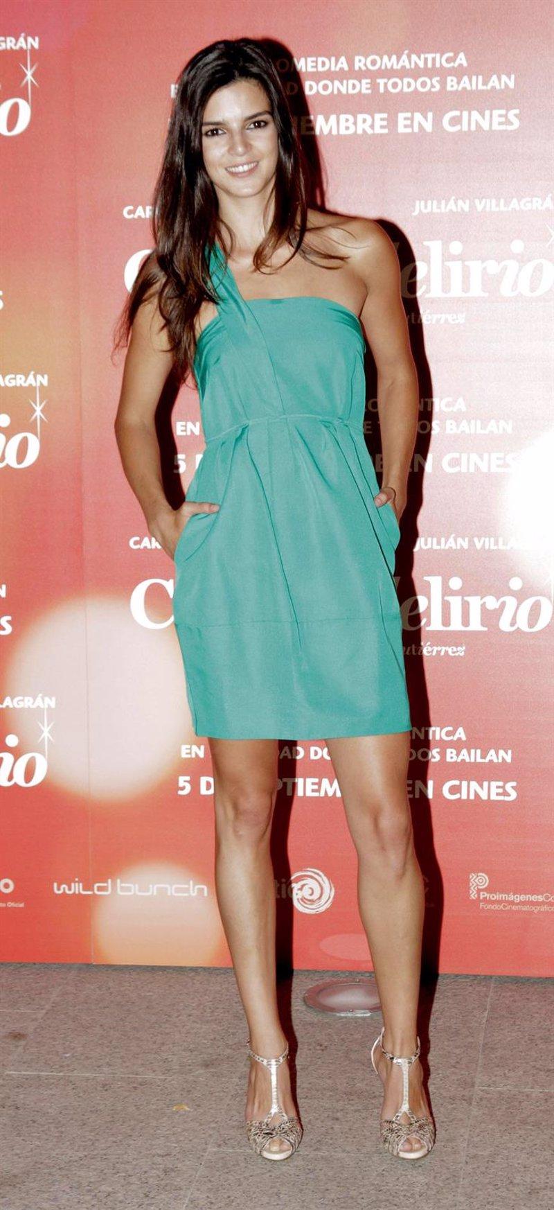 Clara Lago vuelve espectacular al photocall \'de Ciudad Delirio\' tras ...