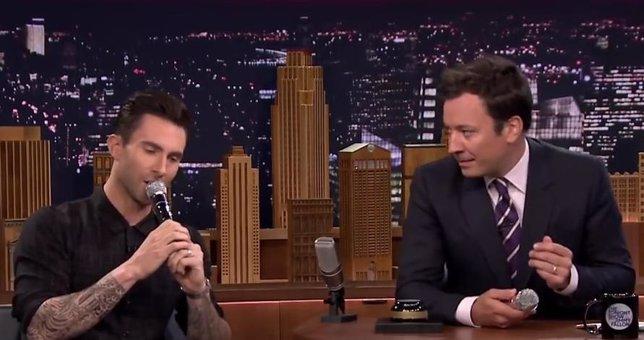 Adam Levine y Jimmy Fallon