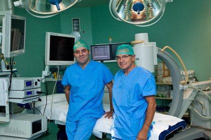 Especialistas de Urología del Hospital Viamed Montecanal realizan una nefrectomía transumbilical