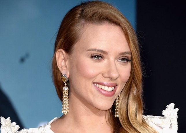 Actress Scarlett Johansson, Arrives At The Premiere O