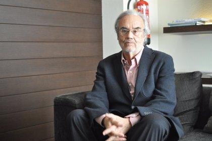 UIMP.- El cineasta Manuel Gutiérrez Aragón y el filósofo Pedro Cerezo cierran esta semana el curso